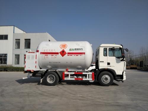 单机低温液体运输车