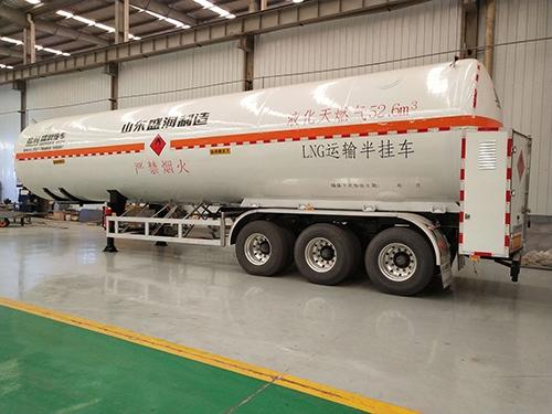 太仓LNG低温液体运输半挂车